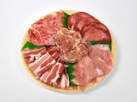 食卓のお肉